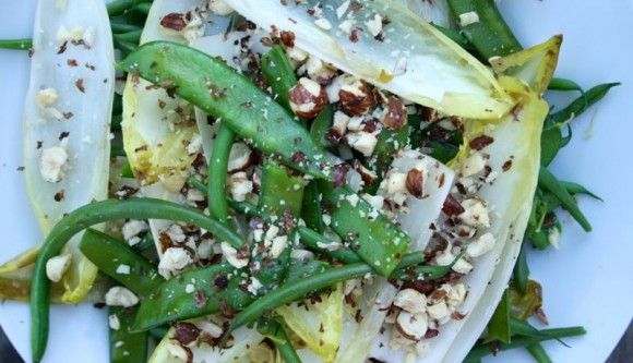 Mangetout, green bean and hazelnut salad | Clean and lean | Pinterest