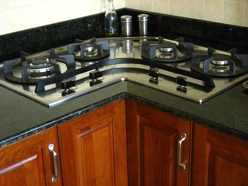 Corner cooktop stove kitchen and dining room ideas for Corner cooktop designs kitchen