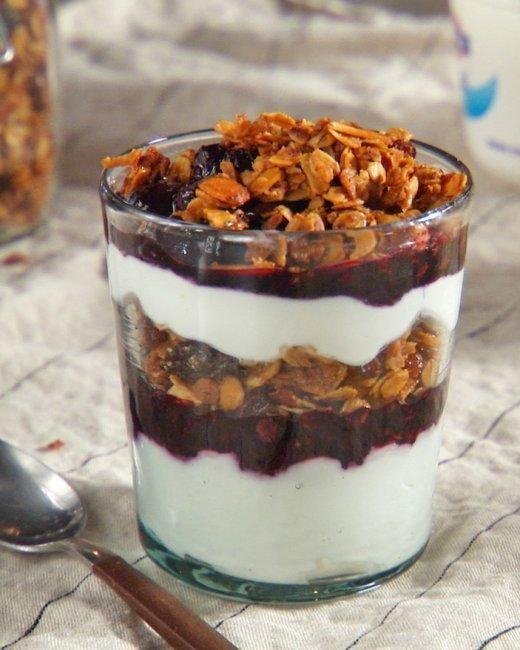 Healthy Yogurt Breakfast Parfait With Blueberries & Granola Recipe ...