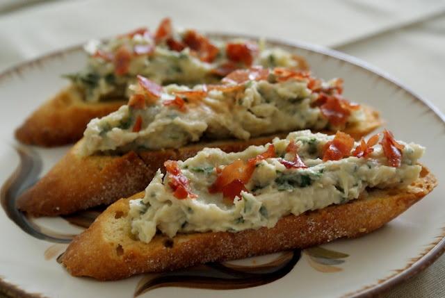 Artichoke and White Bean Crostini ll. | yummie | Pinterest