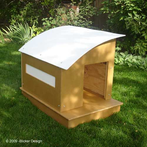 Diy dog house out of a plastic barrel jay ideas pinterest for Barrel dog house designs