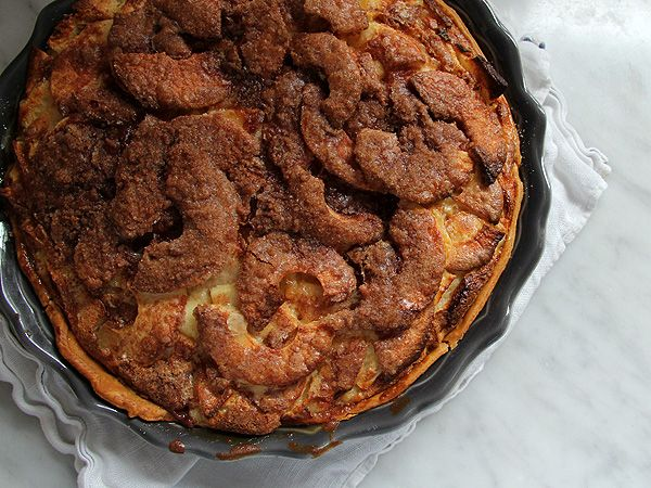Sour cream apple pie. Oh my. From Posy Gets Cozy Note: click on sour ...