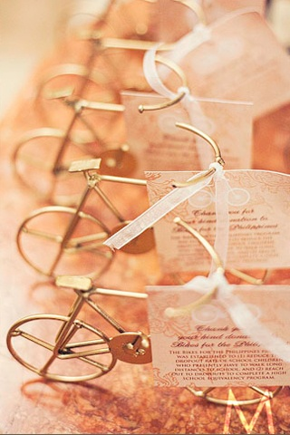 Gift Ideas For Wedding Couple Philippines : In lieu of asking for wedding gifts, this couple encouraged their ...