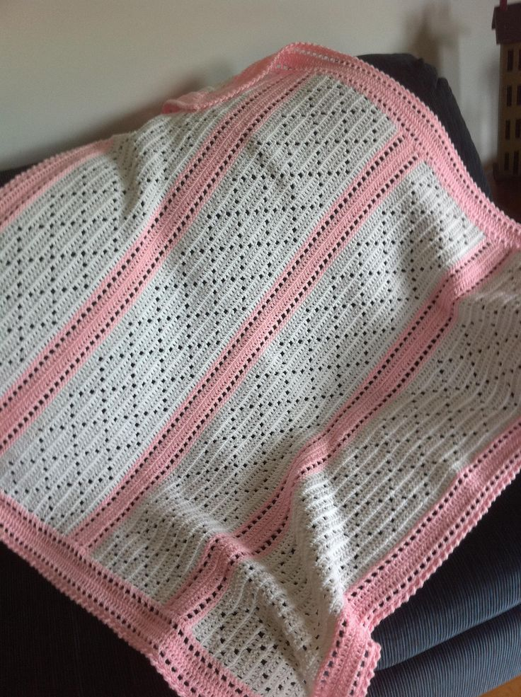 Crochet Daisy Baby Blanket Pattern : Ravelry: Lazy Daisy Blanket by Mary Jane Protus Would be a ...