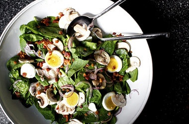 Spinach Salad with Warm Bacon Vinaigrette — Punchfork http ...