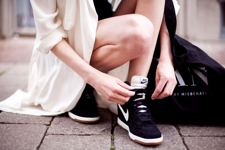 Mode, Galopines & Co : ici les stilettos, sneakers, bodycon, peplum... n'auront plus de secret pour vous ! Bf0350ff273302795e21b6cd18fa30fb