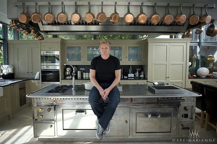 The gallery for gordon ramsay house kitchen for Gordon ramsay home kitchen