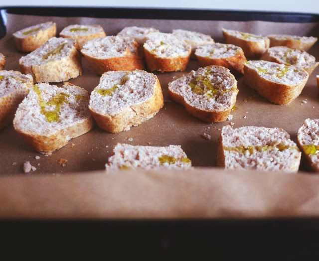 figs and goat cheese crostini | yum | Pinterest