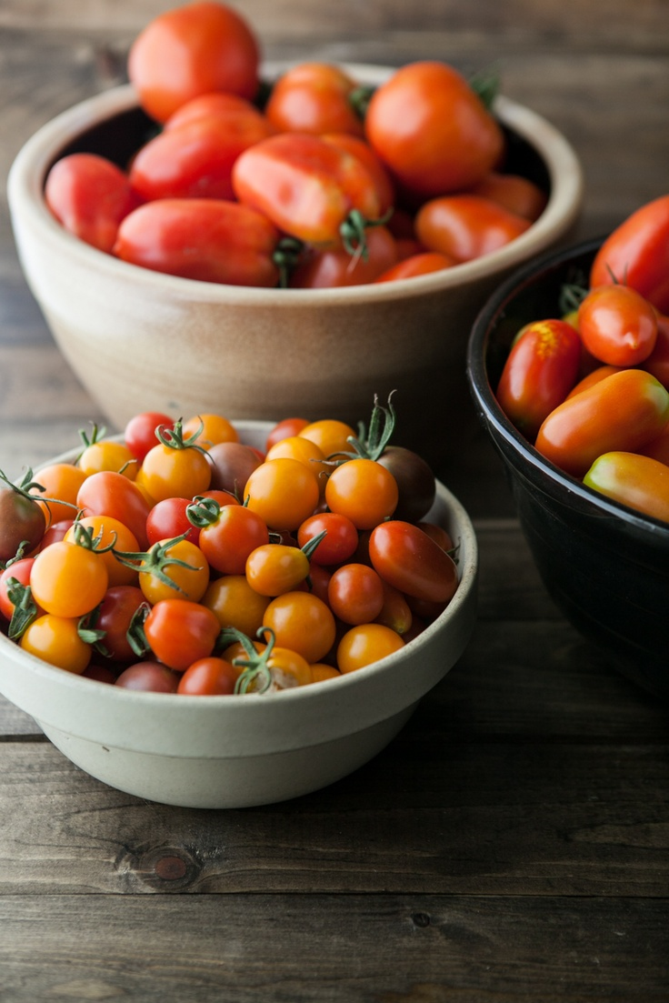 Roasted Tomato and Corn Salsa (pretty, even though I detest tomatoes)
