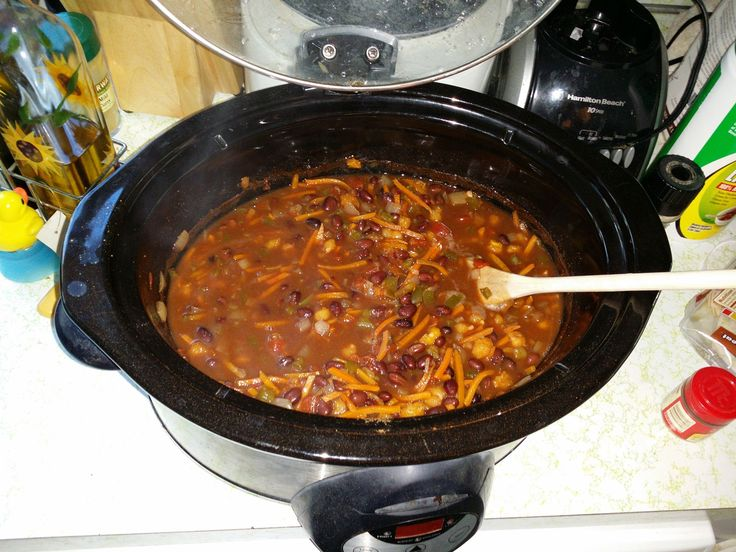 black bean crock pot soup from reddit (adding chicken and garlic and ...