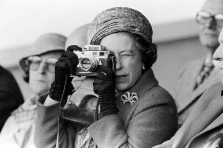 Queen Elizabeth with her Leica.