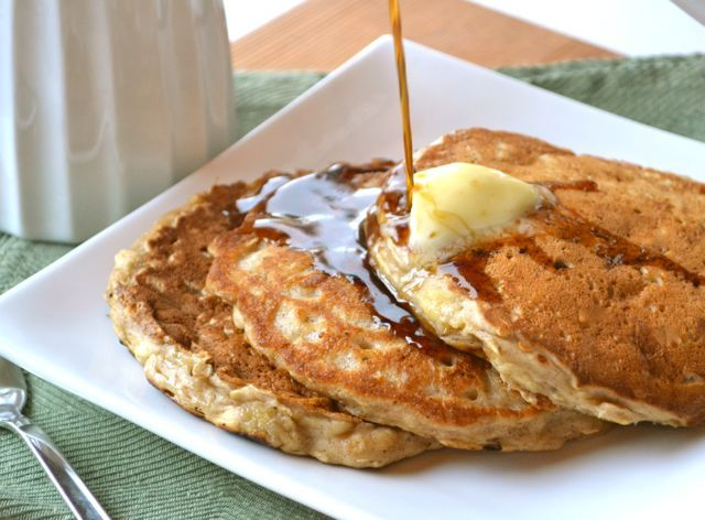Oatmeal Cookie Pancakes. Thank you, Rosie Pope for pointing me to this ...
