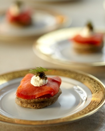 blini topped with salmon and caviar | yummy | Pinterest