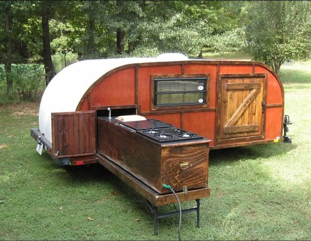 Beautiful  Trailer Shows The Classic Teardropshaped Profile Of A Teardrop Camper