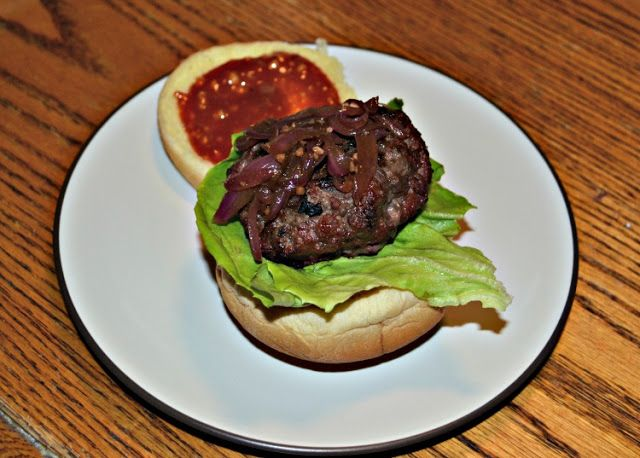 Tennessee Burger with Bourbon and BBQ Sauce - Hezzi-D's Books and ...