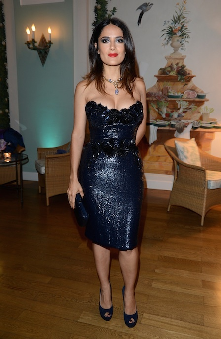 Salma Hayek wows the crowd in a strapless navy sequined number. #dress #sequin