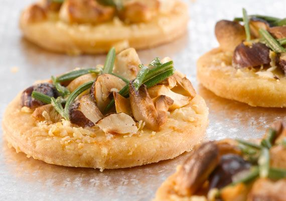 Pin by aafke heinz on appetizer pinterest for Puff pastry canape ideas