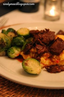 The Pioneer Woman's Spicy Stewed Beef With Creamy Cheddar Grits ...