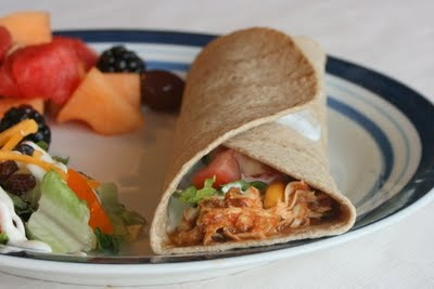 """Slow Cooker Chili Chicken tacos 