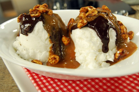Latin sundaes with spiced nuts, homemade caramel sauce and a Mexican ...