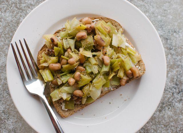 black-eyed peas and leeks on goat cheese toast