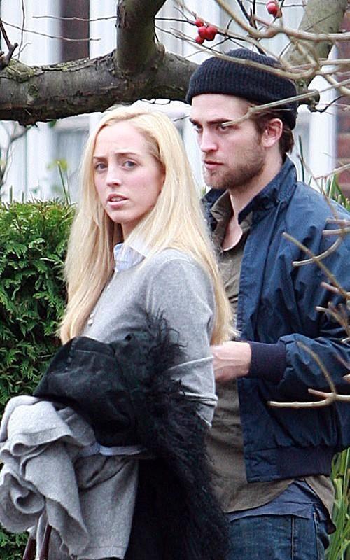 Lizzy and Rob PattinsonLizzy And Rob Pattinson