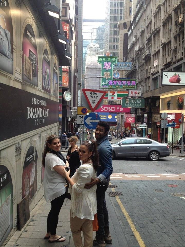 shopping in hong kong hours