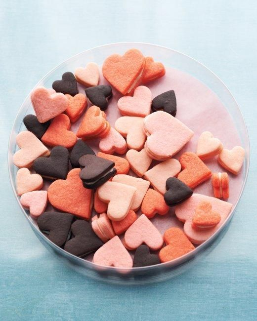Valentine's Day Cookies // Chocolate Heart Sandwich Cookies Recipe