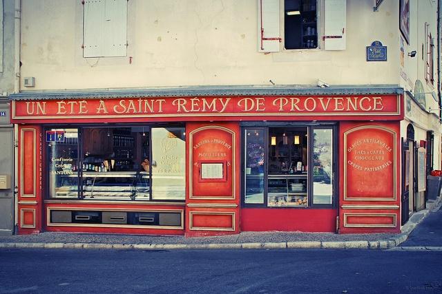 | ♕ | Souvenir d'été - St-Rémy-de-Provence | by © . SantiMB .