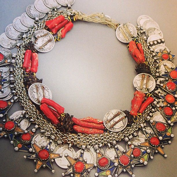 Love the coral and silver mix!