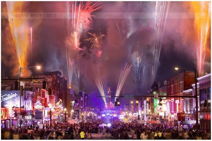 fireworks nashville memorial day 2015