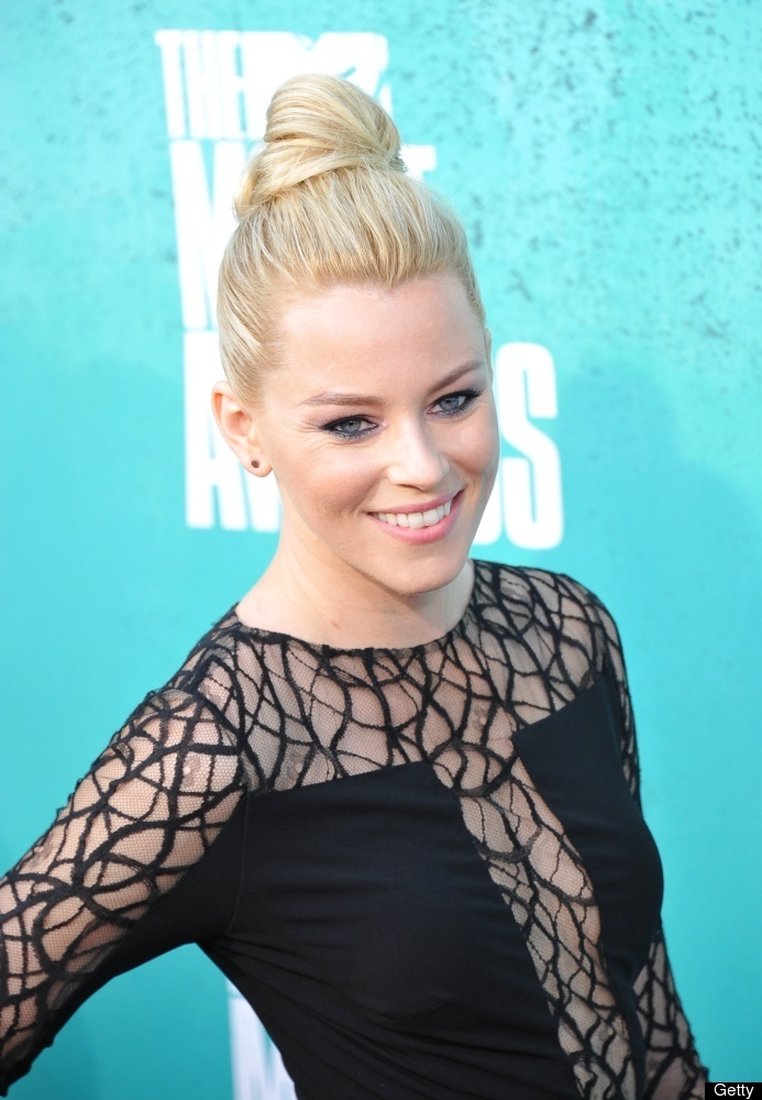 Elizabeth Banks arrives at the #MTVMovieAwards in Universal Studios, Los Angeles on June 3, 2012.