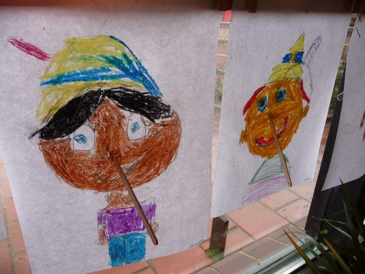 Map juf Ineke: de kinderen tekenen Pinokkio die liegt. Zijn houten neus wordt dus lang d.m.v. een ijsstokje dat erin gestoken wordt.