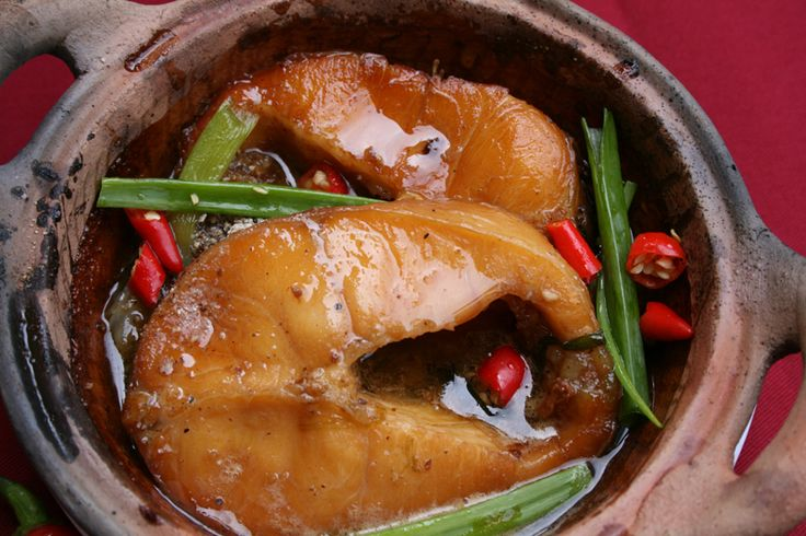 Vietnamese style clay pot braised fish cooking for Clay pot fish