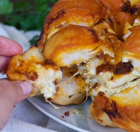 Savory Sun-dried Tomato Monkey Bread. So Simple!! | Betsylife.com