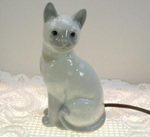 Porcelain Siamese Cat Night Light
