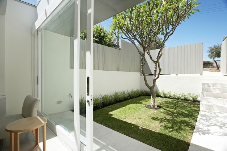 Minimal garden favorite places and spaces pinterest for Minimalist house with courtyard