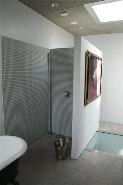 Cement Board Bathroom : Floating bath wall vs cement board bathroom