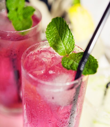 Fruit cocktail with fresh mint | to be pink or not | Pinterest