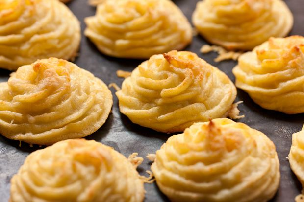 Duchess Potatoes - use cooked, whipped cauliflower to replace half of ...