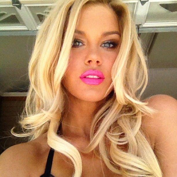 Lips Blonde 115