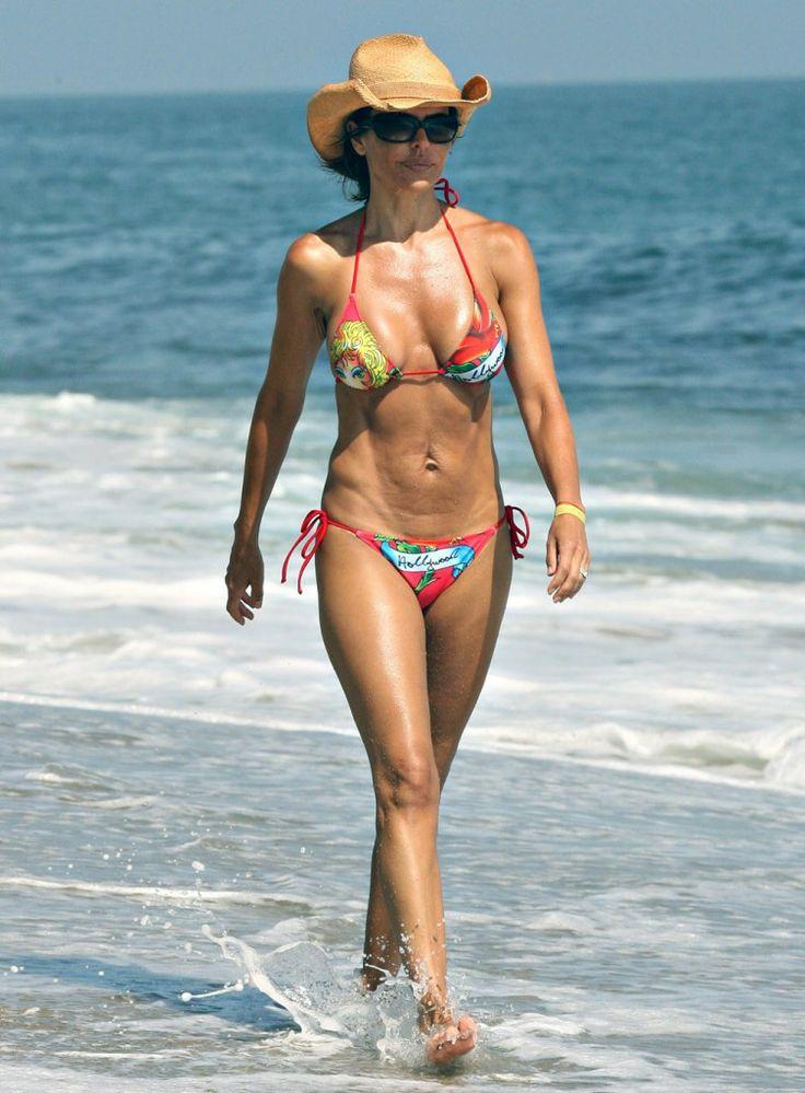 lisa rinna celebrities bikini body pinterest