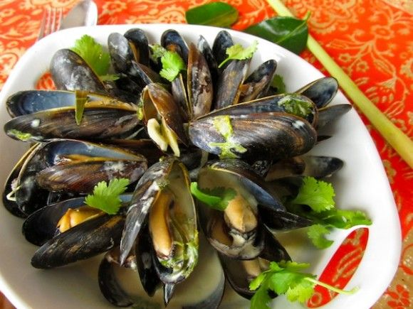 Thai Coconut Curry Mussels | Recipes | Pinterest