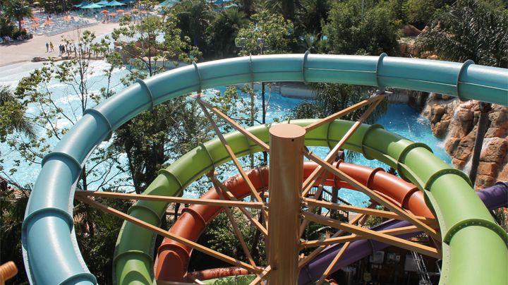 Ihu's Breakaway Falls at Aquatica Orlando