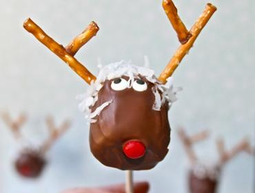 'Crazy Reindeer Marshmallow Pops' from the Lilyshop Blog