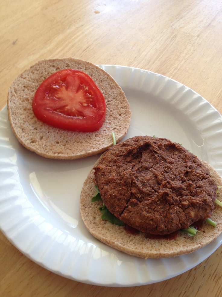 Vegan homemade black bean burger | Veggie Burgers | Pinterest