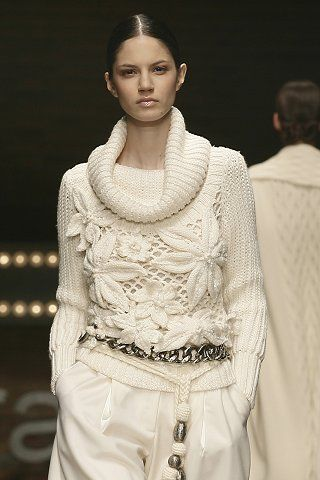 Sweater. Irish crochet