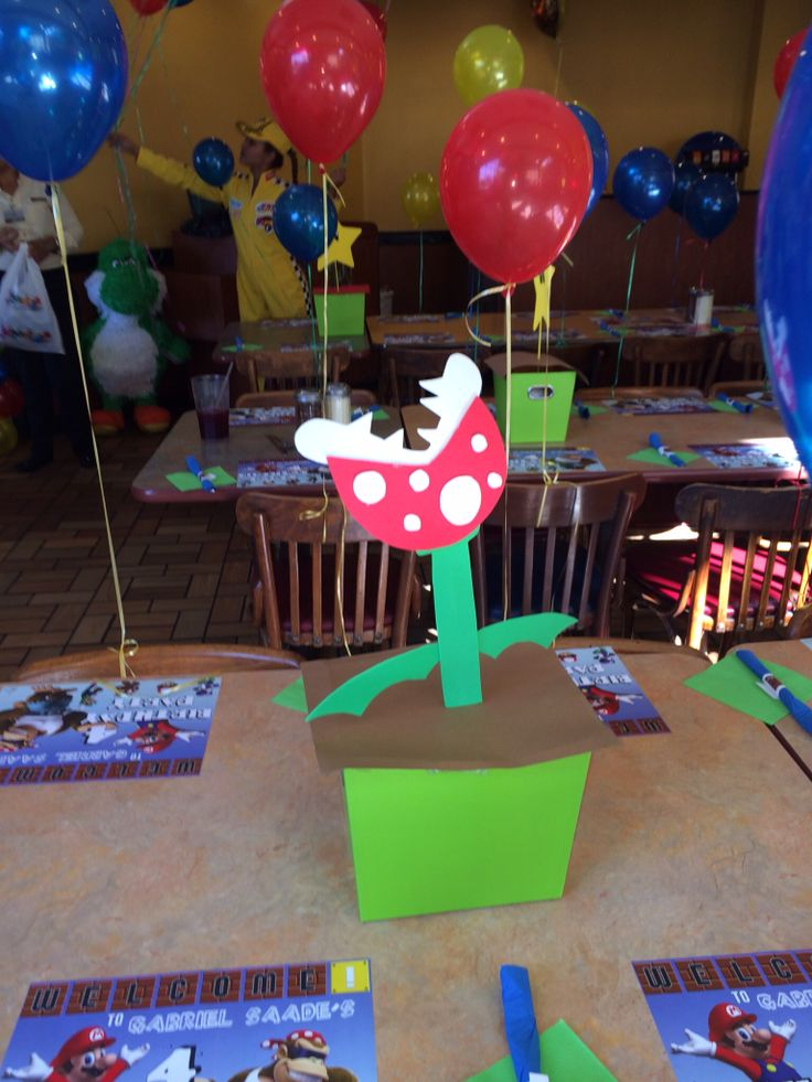 Table decoration - centerpiece   Gabriel's Mario Bros Bday   Pinterest