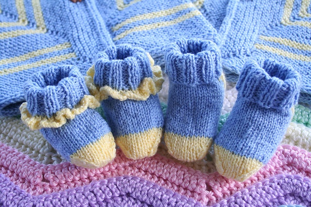 Ravelry: Ruffled Baby Socks Free Pattern Knits Pinterest