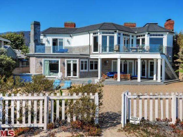 Exterior waterfront malibu beach house my future for Malibu california beach houses